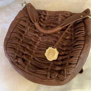 Vince Camuto leather Crossbody hobo in EUC